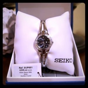 NWT women's seiko watch